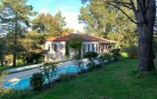 Jolie maison avec appartement et chalet indépendant dans un parc arboré avec piscine