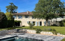 LOVELY 18TH CENTURY PROPERTY IN AN EXCEPTIONAL LOCATION